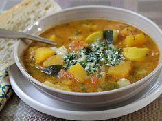 A seguir el paso a paso para preparar esta rica Sopa de Vegetales hecha en casa. Saludable, colorida, refrescante y deliciosa, estoy segura que a todos les va a encantar!…