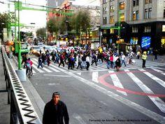 Paso peatonal. /Crosswalk.