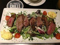 Steakhouse Chain Restaurant Recipes: Steak Medallion Salad