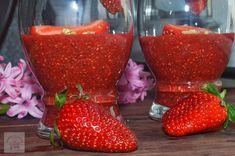 Budinca de capsuni cu seminte de chia - CAIETUL CU RETETE Strawberry, Fruit, Cooking, Food, Kitchen, Essen, Strawberry Fruit, Meals, Strawberries