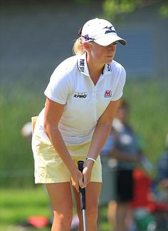 Golf: Stacy Lewis Gets LPGA Win In Singapore