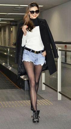 Miranda rocks the Chloe Susanna boot like no other. (Photo/WENN)
