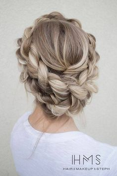Stylish Braid Hairstyle For Romantic Day
