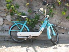 turqoise bike - ciao piaggio turchese
