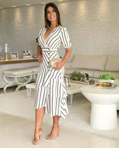 Image may contain: 1 person, standing and stripes Types Of Dresses, Cute Dresses, Casual Dresses, Short Dresses, Summer Dresses, Casual Outfits, Moda Outfits, Dress Outfits, Fashion Dresses