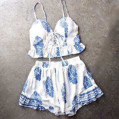 Final Sale - Festival Shop - Boho Print Two Piece Set - White/Blue from shophearts. Saved to clothes. Cute Summer Outfits, Spring Outfits, Summer Shorts, Boho Fashion, Fashion Outfits, Womens Fashion, Festival Shop, Mode Boho, Two Piece Outfit