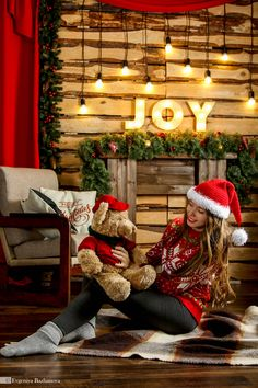 Family Christmas Pictures, Christmas Couple, Christmas Mood, Merry Christmas And Happy New Year, Xmas, Cute Christmas Outfits, Christmas Sweaters, Mommy And Me Photo Shoot, Santa's Little Helper