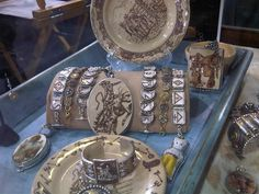 LOVE this western broken china jewelry!!@vintagerevival.com