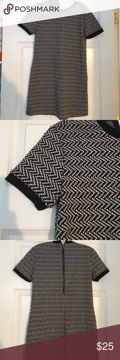 Black and gray Zig zag Skater dress Like brand new, perfect condition Forever 21 Dresses