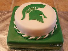 Looks too pretty to eat! via Cake Methodology #Spartans