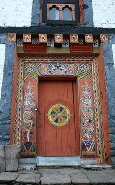bhutan | Jakar dzong at Bumtang valley. The Jakar Dzong rise… | Flickr Entrance Ways, Grand Entrance, Entrance Doors, Doorway, Cool Doors, Unique Doors, Portal, Knobs And Knockers, Door Knobs