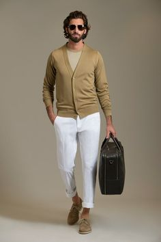 See the complete Brioni Spring 2013 Menswear collection.
