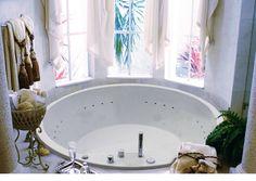 """Wellness Badewanne mit LED-Lichttherapie + Fernbedienung inkl. Chromoprogrammen, d = 175 cm, MUIRI.  Erhältlich im Ebay-Shop """"Bluemabell"""""""