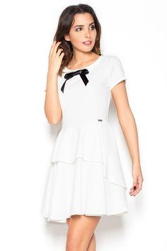 Urocza sukienka z kokardką ecru