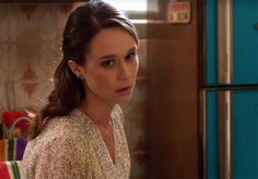 Hit de Anitta vira tema de filme com Mariana Ximenes; assista ao clipe
