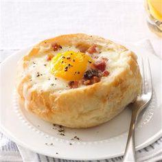 http://cdn2.tmbi.com/TOH/Images/Photos/37/300x300/Breakfast-Bread-Bowls_exps168682_SD142780C08_30_1bC_RMS.jpg