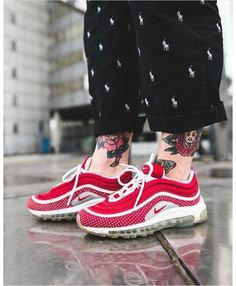 separation shoes ed8e2 de203 Nike Air Max 97 Red White Trainers Black Friday Deals Tenue, Chaussure, Formateurs  Hommes