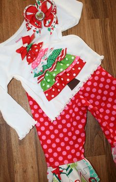 Love this shirt and it would be so easy to make