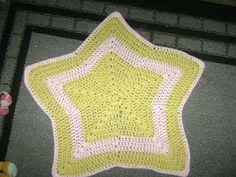 Mostly Crochet: Sophia's (Twinkle Twinkle) Little Star shaped Baby blanket - Free Pattern
