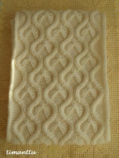 ILOA ITSE TEHDEN: Lumottu setti Crochet Cable, Cable Knitting, Knitting Charts, Sweater Knitting Patterns, Knitting Stitches, How To Purl Knit, Crochet Crafts, Stitch Patterns, Sewing
