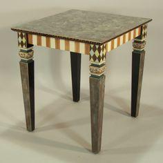 CARAMEL/BROWN TABLE