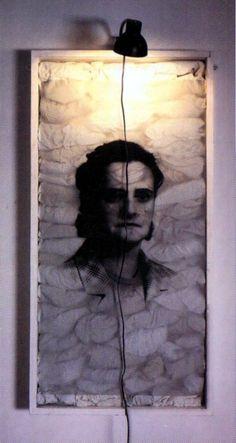 Padre Mariano, 1994 by Christian Boltanski on Curiator, the world's biggest collaborative art collection. Dark Photography, Artistic Photography, Lightbox Art, Digital Museum, Land Art, Jasper Johns, Installation Art, Textile Art, Drawing