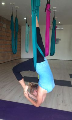 Aerial yoga, wanna try this so bad!!!!