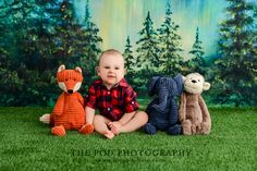 Animal Lineup Friends Baby Photos Birthday Cake Smash, First Birthday Cakes, Cake Smash Pictures, Baby Portraits, Family First, Photography Photos, Photo Studio, Baby Photos, First Birthdays