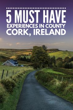Our Ireland road trip itinerary - 5 must see places in County Cork, Ireland - Ireland Hiking, Ireland Pubs, Ireland Hotels, Ireland Beach, Ireland Food, Belfast Ireland, County Cork Ireland, Ireland Map, Castles In Ireland