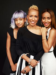 3 generations - Mom, Jada, Willow. Jada's mom looks so young and naturally so #blackdontcrack