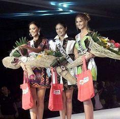 Miss Venezuela Mariam Habach  durante el Fashion Show que se realizo en Davao Fueron premiadas gracias a la marca patrocinante Phoenix.  Miss Filipinas como Pearl of Phoenix (Perla de Phoenix); Miss Indonesia como Phoenix's Best Smile (Mejor Sonrisa) y Miss Venezuela como Miss Elegance Phoenix Petroleum (Miss Elegancia). by Antoni Azocar..