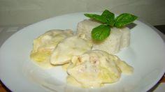 Conchilione recheado com frango e gratinado com muzarela.