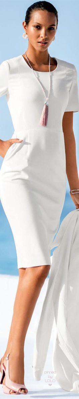 MADELEINE 2016 PRIMAVERA-VERANO Hola Chicas!! Cómo lograr un estilo de moda ejecutiva que lo es ideal para aquellas mujeres que tienen que estar más que impecables, ya sea porque tienen un cargo importante o estratégico en la su compañía o bien por su rol social. Para lograr un look ejecutivo súper elegante en este caso te recomiendo la linea de ropa Madeleine debes usar siempre ropa de buena calidad, tanto botines para este primavera-verano, sandalias de marca y sobre todo el bolso, en este