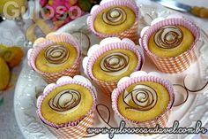 Que tal para o #lanche um delicioso Bolinho de Flocos de Milho Recheado, é #SemGlúten e #SemLactose? Quem quer?  #Receita aqui: http://www.gulosoesaudavel.com.br/2013/09/21/bolo-flocos-milho-recheado/