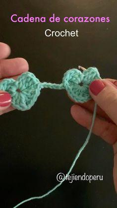 """5,374 Me gusta, 128 comentarios - Tejiendo Perú (@tejiendoperu) en Instagram: """"La semana pasada compartimos el diagrama de esta cadena de corazones tejidos a crochet. Nos…"""" Crochet Scarves, Lana, Crochet Necklace, Crochet Patterns, 36, Handmade, Bikini, Angel, Instagram"""
