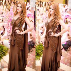 "GOPIKA COUTURE on Instagram: ""Drape saree 😍😍 #gopikacouture #saree #wedding #indianwedding #gown #dress #dresses #designer #designersaree #fashion #fashionista…"" Drape Sarees, Drape Gowns, Silk Sarees, Saree Wedding, Wedding Attire, Wedding Wear, Saree Dress, Gown Dress, Designer Dresses"