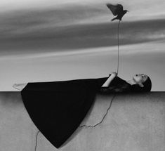 Sureal Self-Portrait - Noell S. Oszvald is a young Hungarian photographer who takes surreal self-portraits. All of the photos are black and white. Her work convey a sense of melancholia and silence. Self Portrait Photography, Surrealism Photography, Conceptual Photography, Fine Art Photography, Fashion Photography, Fotografia Fine Art, Foto Fashion, Photo D Art, Monochrom