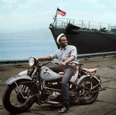 http://justacarguy.blogspot.co.uk/2015/04/us-navy-motorcycle.html http://www.indianmotorcycles.net/threads/custom-military-scout-poll.5314/page-3