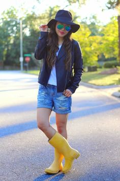 { fall look: leather jacket + white tee + distressed boyf. shorts // @hunterboots }