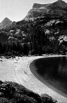 Pictorial about Yosemite National Park by Ansel Adams, Black And White Landscape, Black White Art, Ansel Adams Photography, Nature Photography, Great Photographers, Landscape Photographers, Monochrome Photography, Black And White Photography, Sierra Nevada