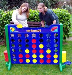 32 Fun DIY Backyard Games To Play (for kids & adults!) Since Annabelle loves her Connect 4 game! Garden Games, Backyard Games, Backyard Ideas, Garden Fun, Garden Toys, Fence Ideas, Tropical Garden, Garden Planters, Herb Garden