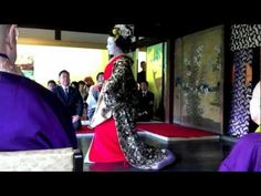 Tayuu dancing at  temple