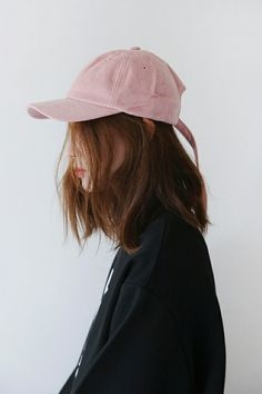 This is a picture of a korean hairstyle. I think it is very simple and nice as the focus is not on the model's face but on the hair which is what I intend on focusing on. Ulzzang Fashion, K Fashion, Asian Fashion, Classic Fashion, Fashion Hair, Fashion Vintage, Moda Ulzzang, Ulzzang Girl, Korean Girl
