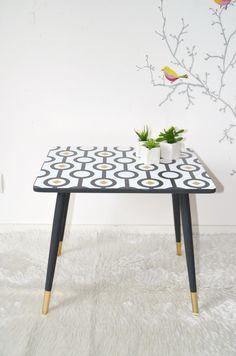 petite TABLE d'appoint, table de chevet, vintage, pieds compas de la boutique atelierdelachoisille sur Etsy