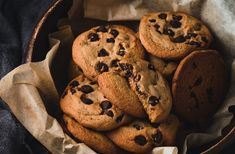Čokoládové cookies, ktoré zvládnu aj deti. Jednoduchý RECEPT Choco Chip Cookies, Choco Chips, Sprouted Grain Bread, Clean Eating Plans, Processed Sugar, Jewish Recipes, Delicious Fruit, Chef Recipes, Cute Food