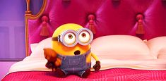 If you've seen Minions, then you already know that Bob (AKA King Bob) is the cutest minion of them all. Minion Gif, Amor Minions, Minions Bob, Cute Minions, Minions Despicable Me, Minions Quotes, James Sirius Potter, Excited Gif, Minions Friends