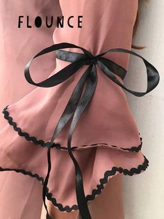 Best 10 Elegant GOTHIC VAMPIRE costume Victorian Evening glones Glamour long GLOVES with mistic floune, frill, black tulle, fingerless mittens – SkillOfKing. Salwar Designs, Kurta Designs Women, Kurti Designs Party Wear, Saree Blouse Designs, Kurti Sleeves Design, Kurta Neck Design, Sleeves Designs For Dresses, Dress Neck Designs, Sleeve Designs For Kurtis