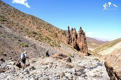 Cruzando el macizo desde el Valle Feliz (Aït Bouguemez) descubriremos las distintas facetas de la montaña, los pueblos agrícolas, los asentamientos nómadas en los pastos de la parte más alta hasta la cima del #Mgoun 🏔