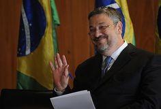 MPF pede a Moro conversão de prisão temporária de Palocci em preventiva - http://po.st/29cbQC  #Política - #Operação-Lava-Jato, #Preventiva, #Prisão
