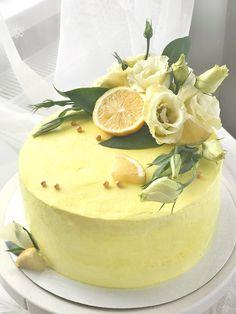 Ideas For Birthday Cake Fruit Beautiful Cupcakes, Cupcake Cakes, Cake Decorating Techniques, Cake Decorating Tips, Spring Cake, New Cake, Drip Cakes, Occasion Cakes, Buttercream Cake
